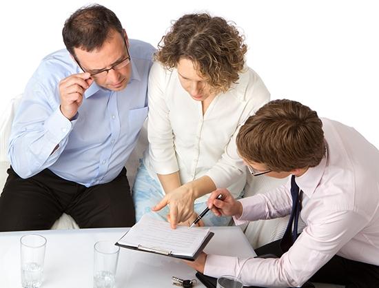 Фото - Как подать на алименты после развода и подавать ли вообще? Какие документы и куда подают на алименты бывшие супруги?