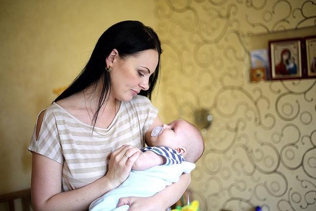 Фото - Как отучить ребенка от укачивания перед сном? Советы педиатров и пошаговая инструкция