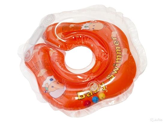 Фото - Круг для купания новорожденных. Со скольки месяцев его используют: отзывы врачей