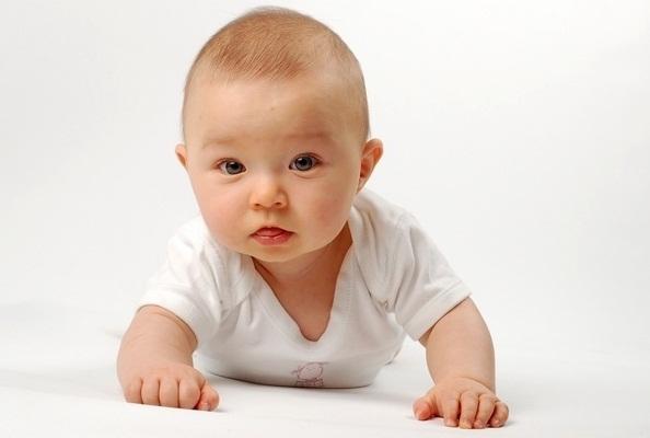 Фото - Когда ребенок начинает переворачиваться?